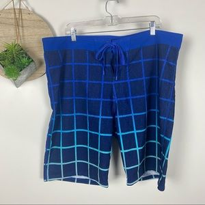 Old Navy Blue Plaid Board Shorts Size 40